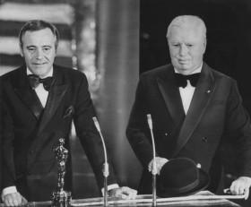Chaplin_oscar
