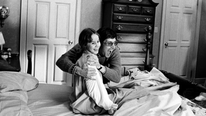 william-friedkin-with-linda-blair-on-the-set-of-the-exorcist