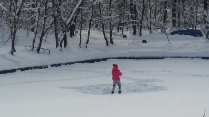Haideți să facem un om de zăpadă!