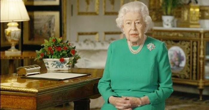 """Mesajul extraordinar al Reginei: """"Vom reuși, iar succesul va fi al fiecăruia dintre noi"""""""